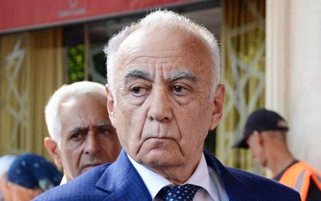 """""""O sərəncamda Hacıbala Abutalıbovun imzası var, mənim yox"""""""