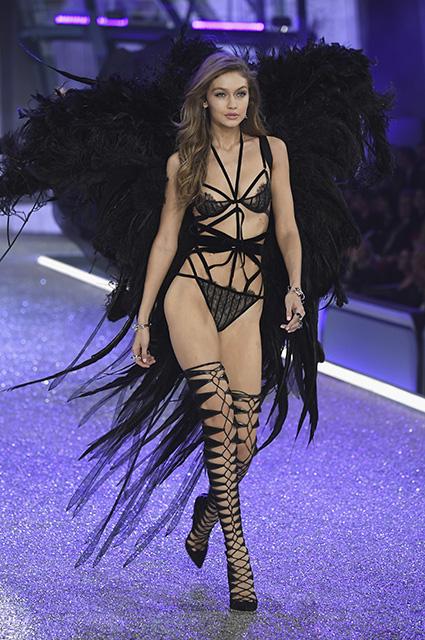 Dünyanın ən bahalı supermodeli Çinə buraxılmadı -