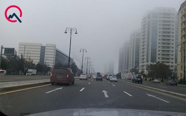 Bakını toz-duman bürüyüb