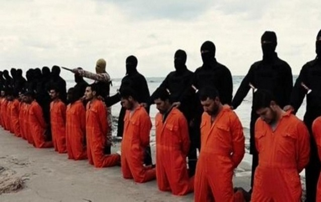 İŞİD öz üzvlərinin başını kəsdi