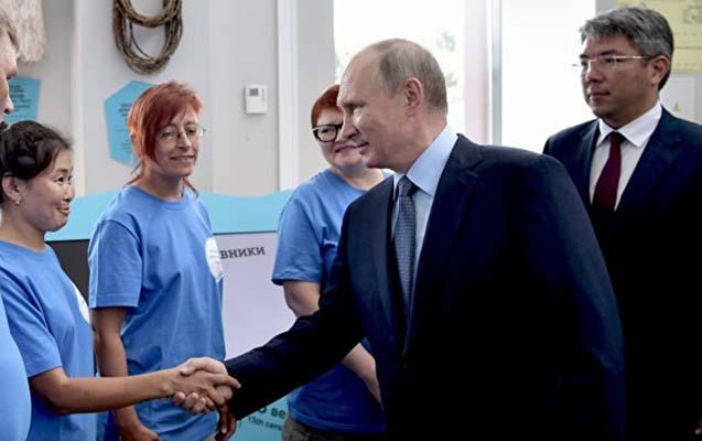 5 dekabr Rusiyada Könüllülər Günü kimi qeyd olunacaq - Putindən fərman