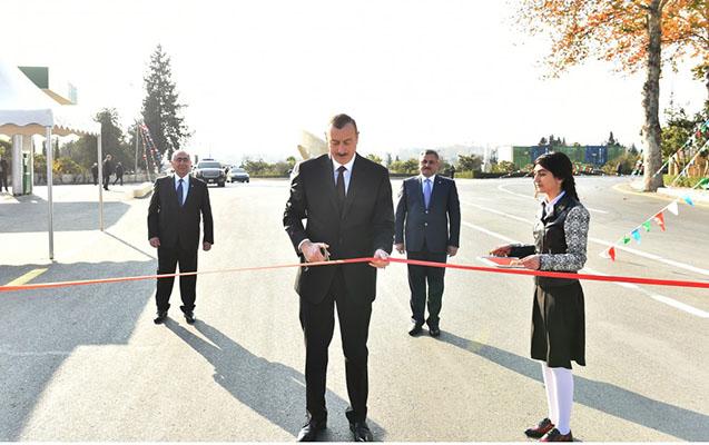 Prezident yolun açılışında - Fotolar
