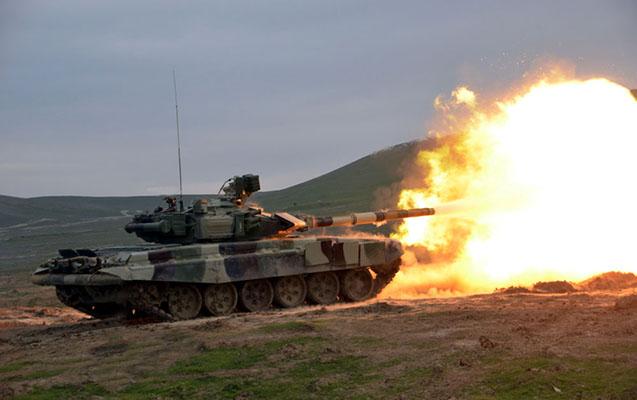 Azərbaycan ordusu tanklardan atəş açdı - Video
