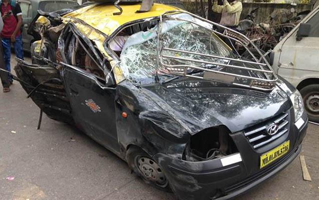 Taksi minik avtomobili ilə toqquşdu - 11 ölü, 9 yaralı