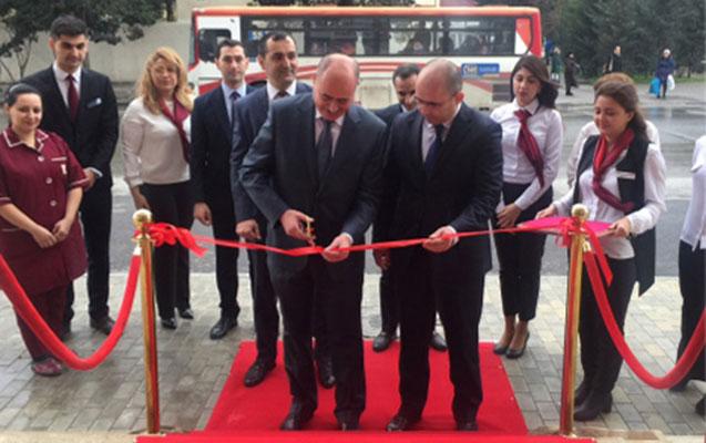 Kapital Bank yeni konsepsiyalı Bakıxanov filialını istifadəyə verdi