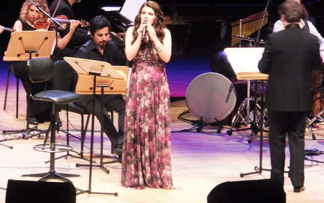 İranlı sənətçi Azərbaycan musiqisi ilə valeh etdi