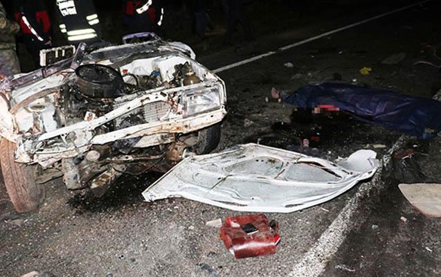 Ağsu aşırımında maşın aşıb, sürücü ölüb - Arvadıyla qızı ağır yaralanıb