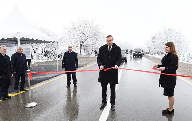 Prezident Qubada yol açılışı etdi