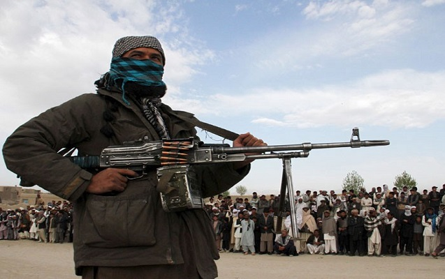Pakistanda 300 silahlı təslim oldu