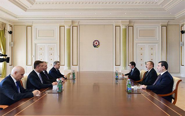 İlham Əliyev rus siyasətçilərlə görüşdü