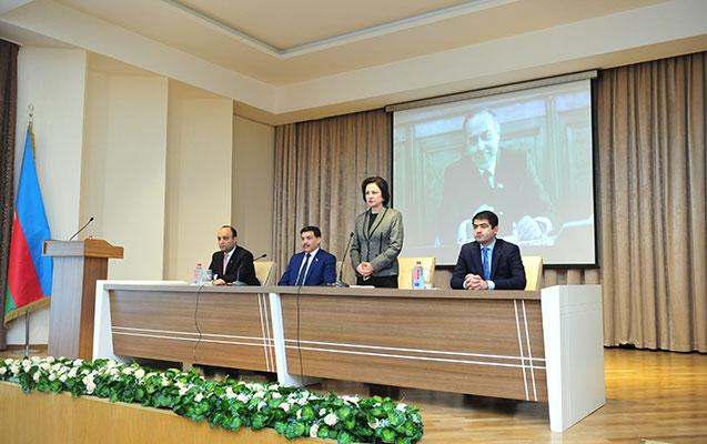 AzMİU-da Heydər Əliyevin xatirəsi anılıb
