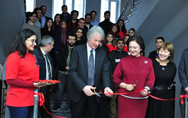 AzMİU-da Prezident medalı sərgisinin açılışı olub