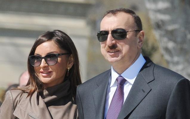 """Prezident """"Ağ Şəhər""""də görülən işlərə baxış keçirdi"""