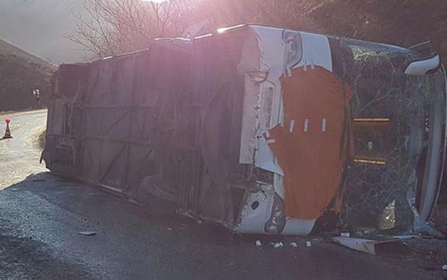 İstanbuldan Azərbaycana gələn avtobus aşdı, 30 yaralı var - Çoxu naxçıvanlıdır