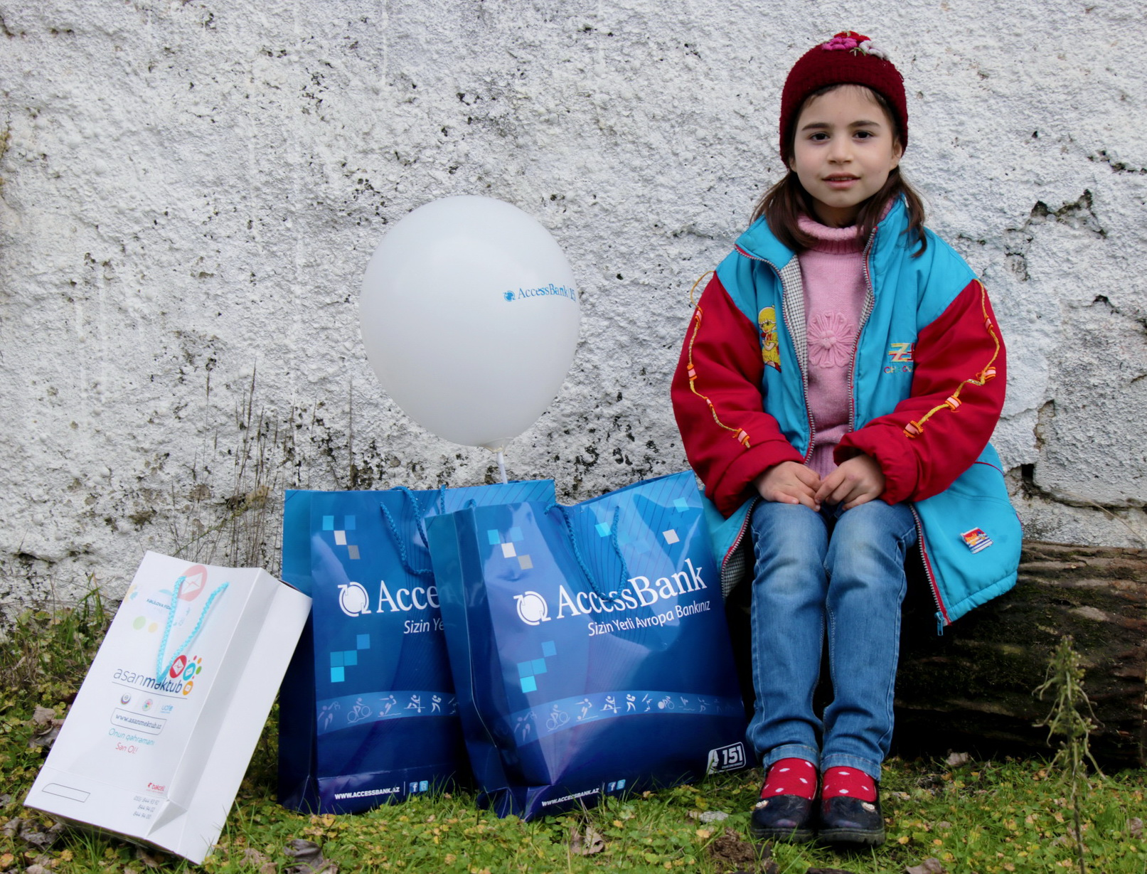 AccessBank məsafələri aşaraq uşaqları sevindirdi