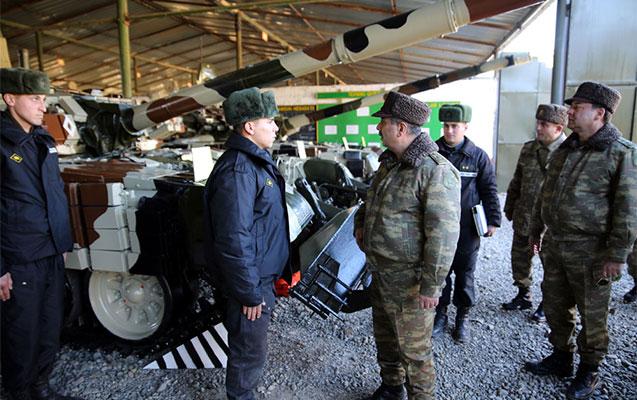 Nazir tankların vəziyyətini yoxladı