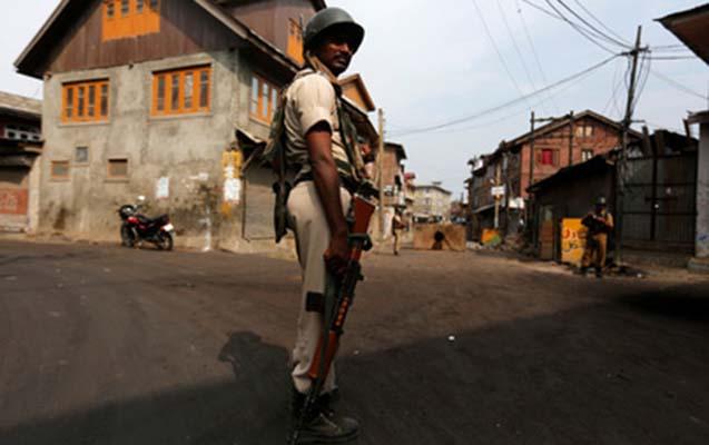 Terrorçular polisləri oğurlayıb qətlə yetirdilər