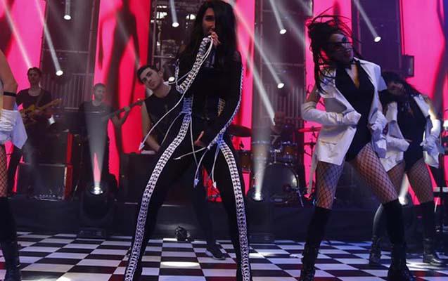 Hande Yenerin konsertində dava