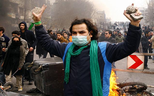 Azərbaycanlılar İrandakı xaosun qarşısını necə aldılar? - Şərh