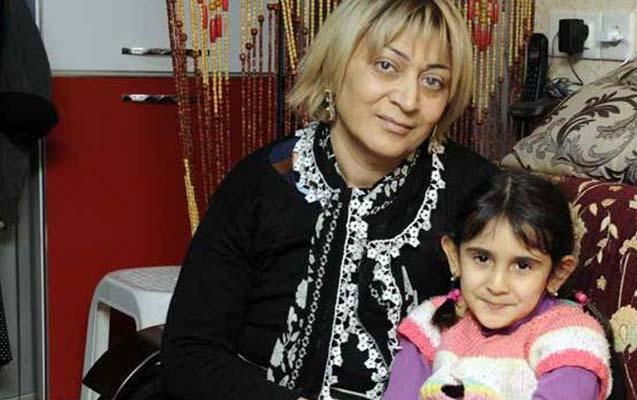 Mübariz Mənsimov Xanım Qafarovanın ailəsinə ev bağışladı
