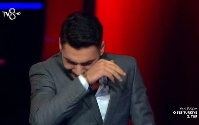 """Ozan """"O səs""""də sevdiyi qız üçün ağladı"""