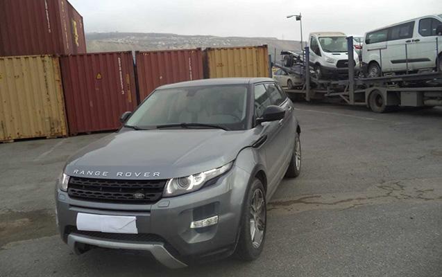 """Gürcüstandan gətirlən """"Range Rover""""in ban nömrəsi saxtalaşdırılıb"""