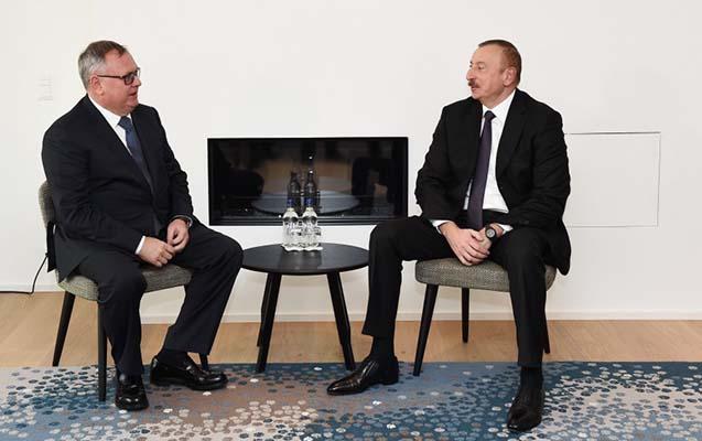 Prezidentin Davosda görüşləri davam edir