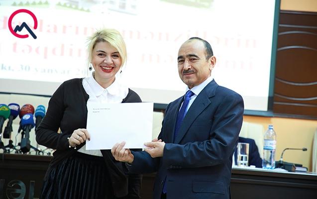 Jurnalistlərə yeni mənzillərin açarları təqdim olunub - Fotolar