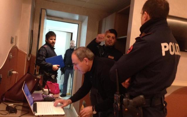İtaliya polisi erməni deputatın otel nömrəsinə basqın edib