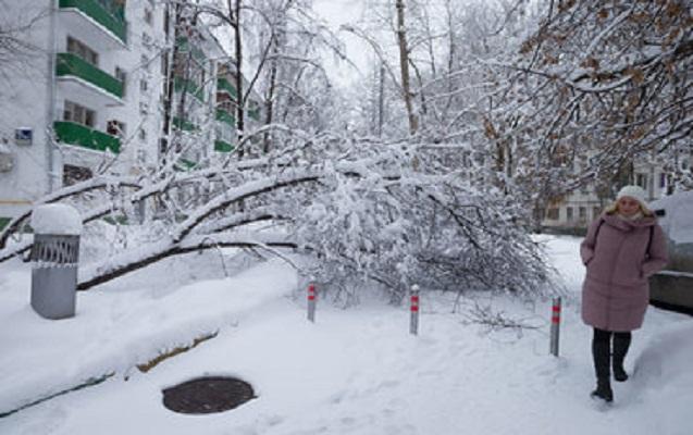 Rusiyada güclü qar 35 min nəfəri işıqsız qoydu