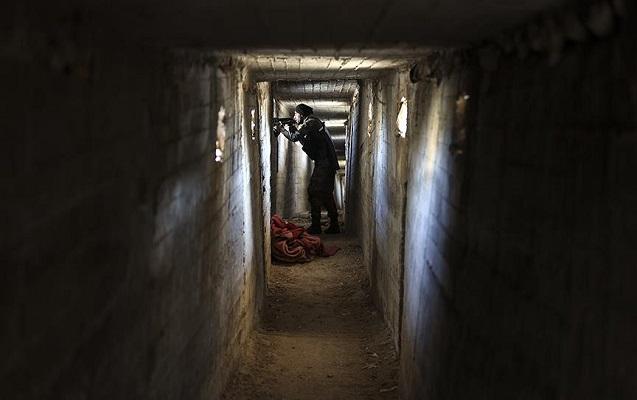 Afrində terrorçuların gizləndiyi labirint tunellər tapıldı