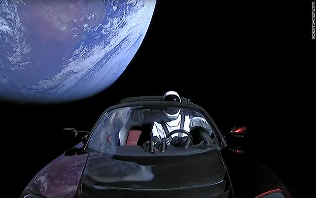 """""""Tesla""""nın kosmosdakı marşrutu dəyişdi"""