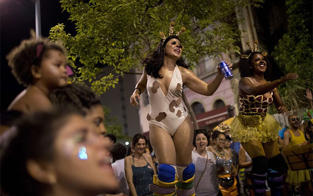 """Dünyanın ən """"isti"""" karnavalından"""