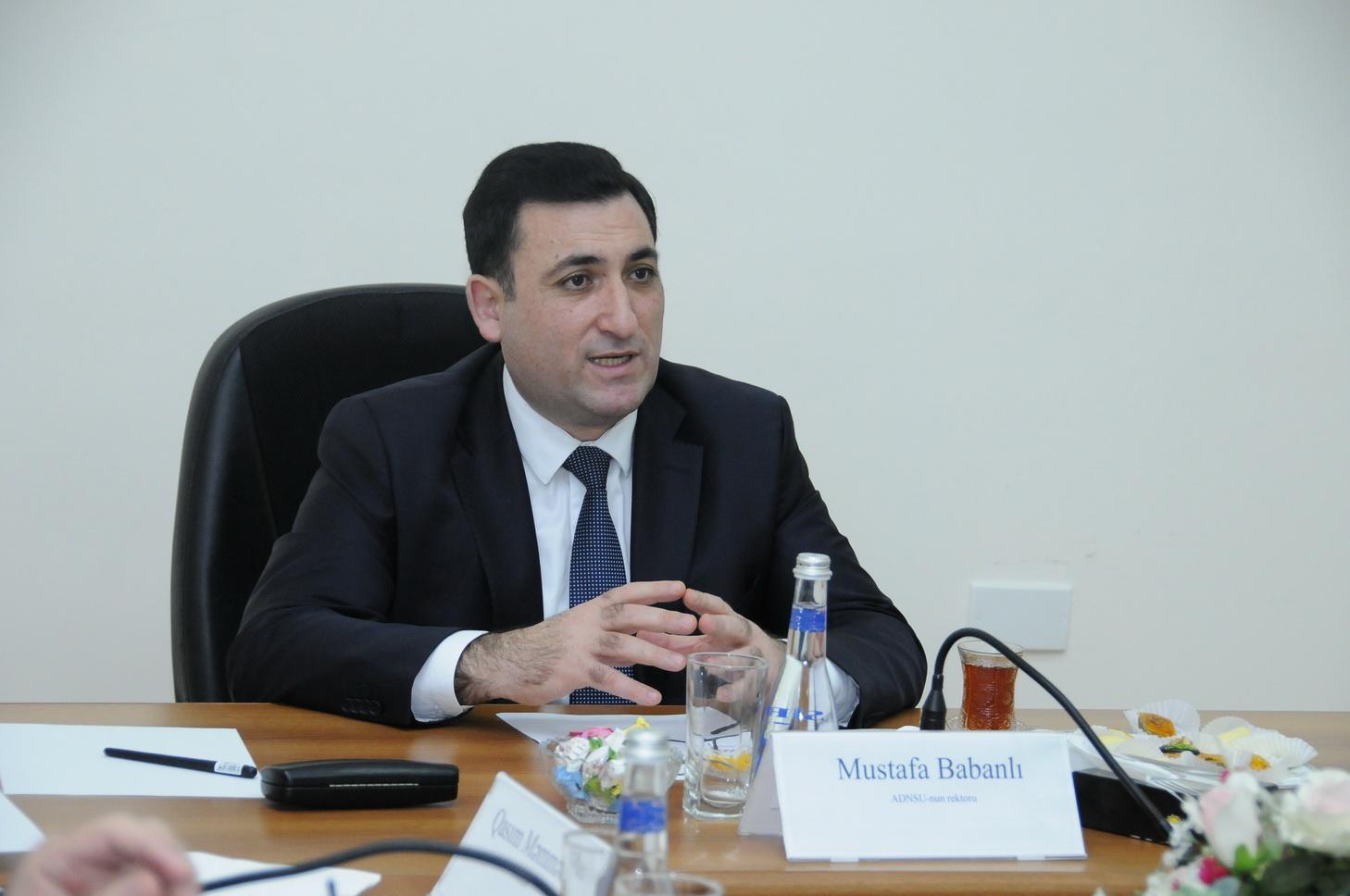 ADNSU-da beynəlxalq konfransın təşkilat komitəsinin ilk iclası keçirilib