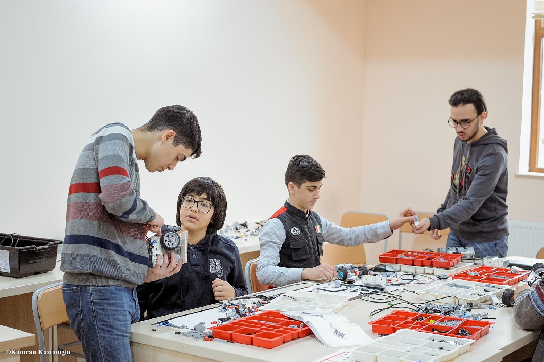 Western Caspian-da məktəblilər üçün təlimlər davam edir