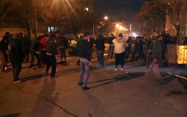İranda ara qarışdı, 3 polis öldürüldü