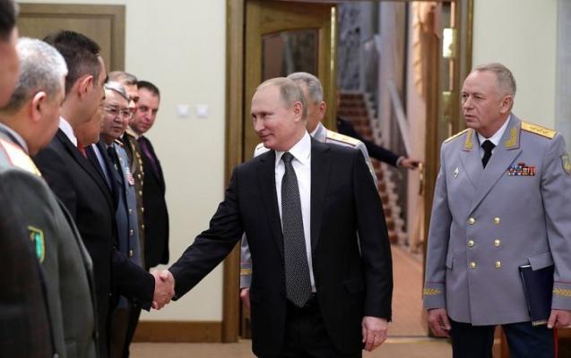 Putin general Kərim Vəliyevlə görüşdü