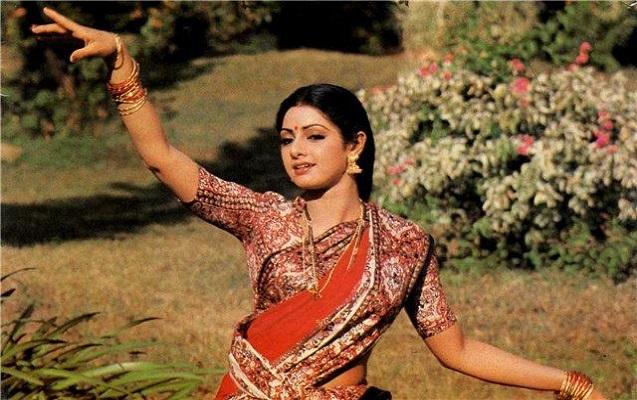 Əfsanəvi hind aktrisası toyda öldü