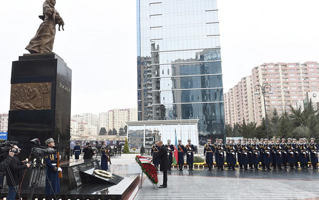 Prezident Xocalı abidəsini ziyarət etdi
