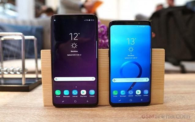 """""""Samsung"""" iki yeni modeli təqdim etdi"""