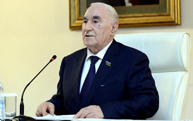 Fəttah Heydərov yenə sədr seçildi