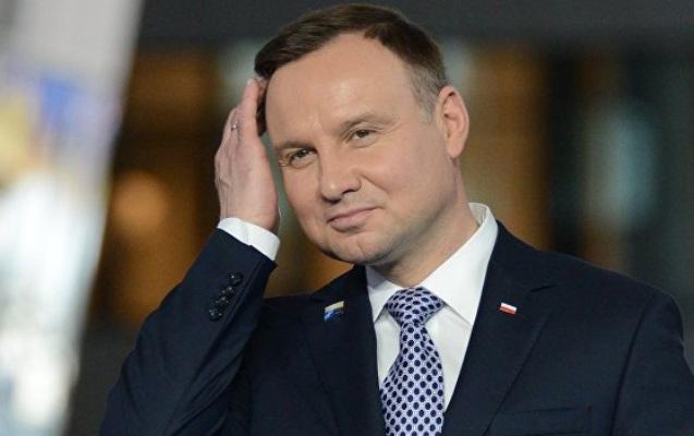 Polşa prezidenti qəzaya düşdü