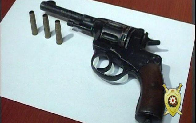 Saxlanılan şəxslərdən silah-sursat tapılıb