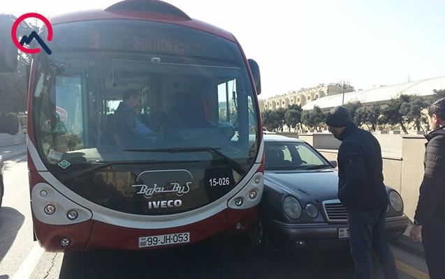 """""""BakuBus""""ın avtobusu qəzaya səbəb oldu"""