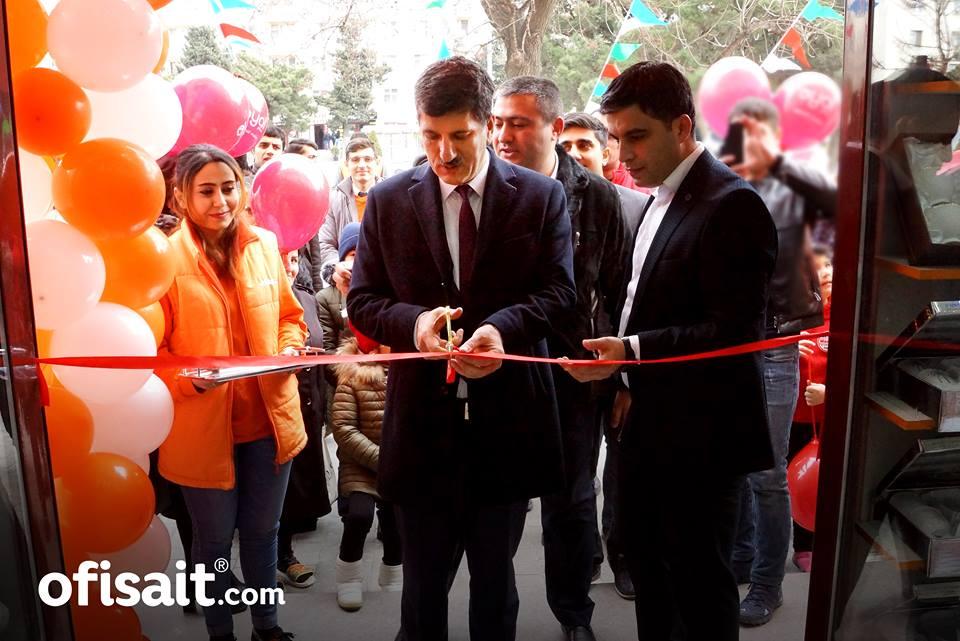 """""""Ofisait"""" brendinin Sumqayıtda daha bir mağazası açıldı"""