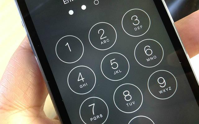 """Çinli qadının """"iPhone""""nu 47.5 il müddətinə kilidə düşdü"""