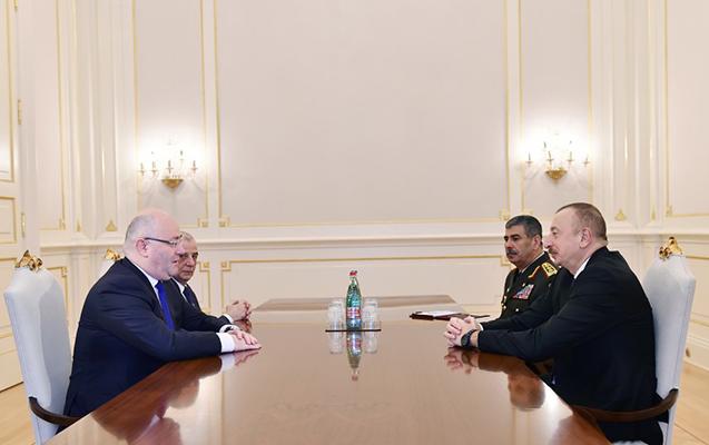 Prezident Gürcüstanın müdafiə naziri ilə görüşüb
