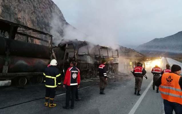 Türkiyədə ağır yol qəzası, 10 ölü, 18 yaralı