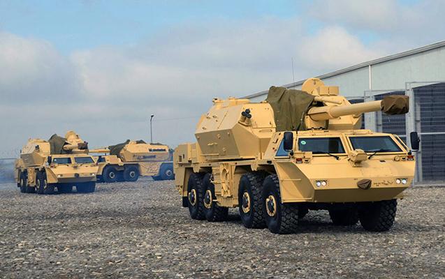 Raket və Artilleriya Qoşunlarının hərbi texnikası atəş mövqeyində