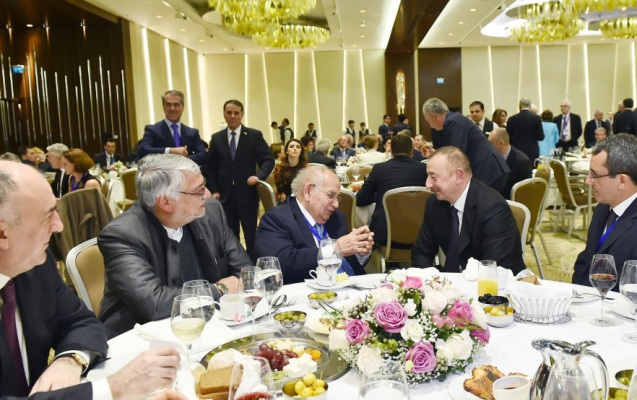 İlham Əliyev dünya liderlərinin şərəfinə ziyafət verdi - Fotolar